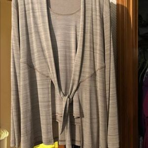 Woman's Tank &Matching Cardigan XL coldwater creek
